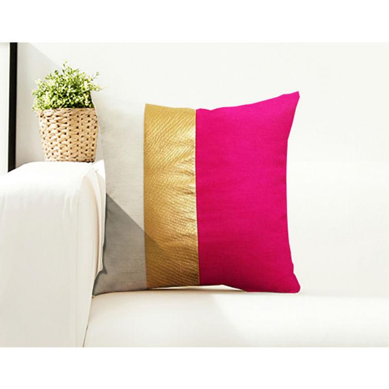 housse de coussin dor or tendance pas cher sur. Black Bedroom Furniture Sets. Home Design Ideas