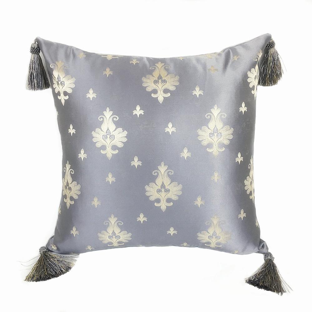 housse de coussin satin royal coussin d co pas cher pompon. Black Bedroom Furniture Sets. Home Design Ideas