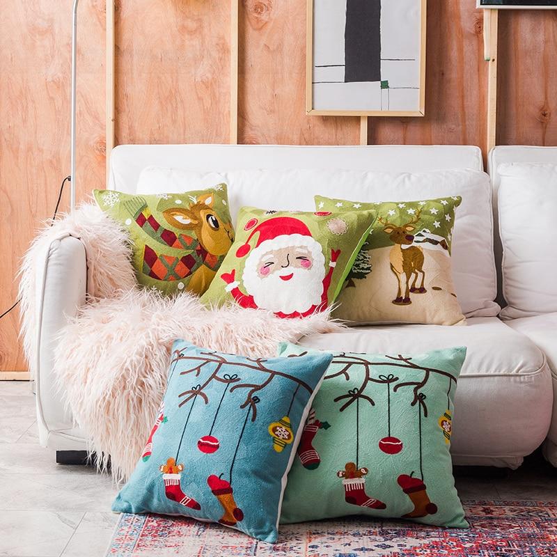 Housse de coussin Noël brodé du père Noël 3