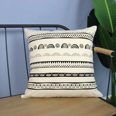 Housse de coussin noir et blanc frise marocaine 3